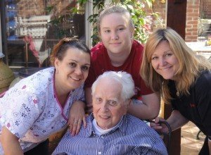 Leslie Thompson with her father, daughter & caregiver